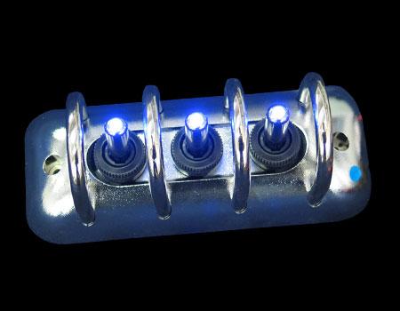 Панель с защитой 123mmx49,8mm хром 3 тумблера син. подсв.