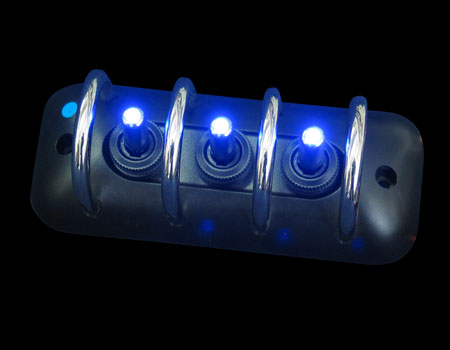 Панель с защитой 123mmx49,8mm черн 3 тумблера син. подсв.