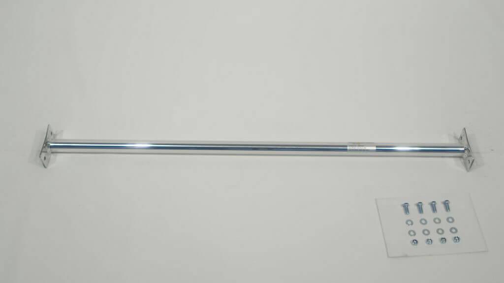 Rear strut bar aluminium VW Polo 9N ( 06/2005, 9N5 500 001) ЋдносоставнаЯ растЯжка стоек устанавливаетсЯ с помощью винтов в промежуточном положениию 'оответствующие отверстиЯ должны быть просверлены.
